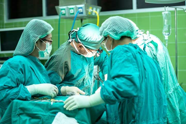 Bild på operationssal. Nu kommer operationsverksamhet återupptas.